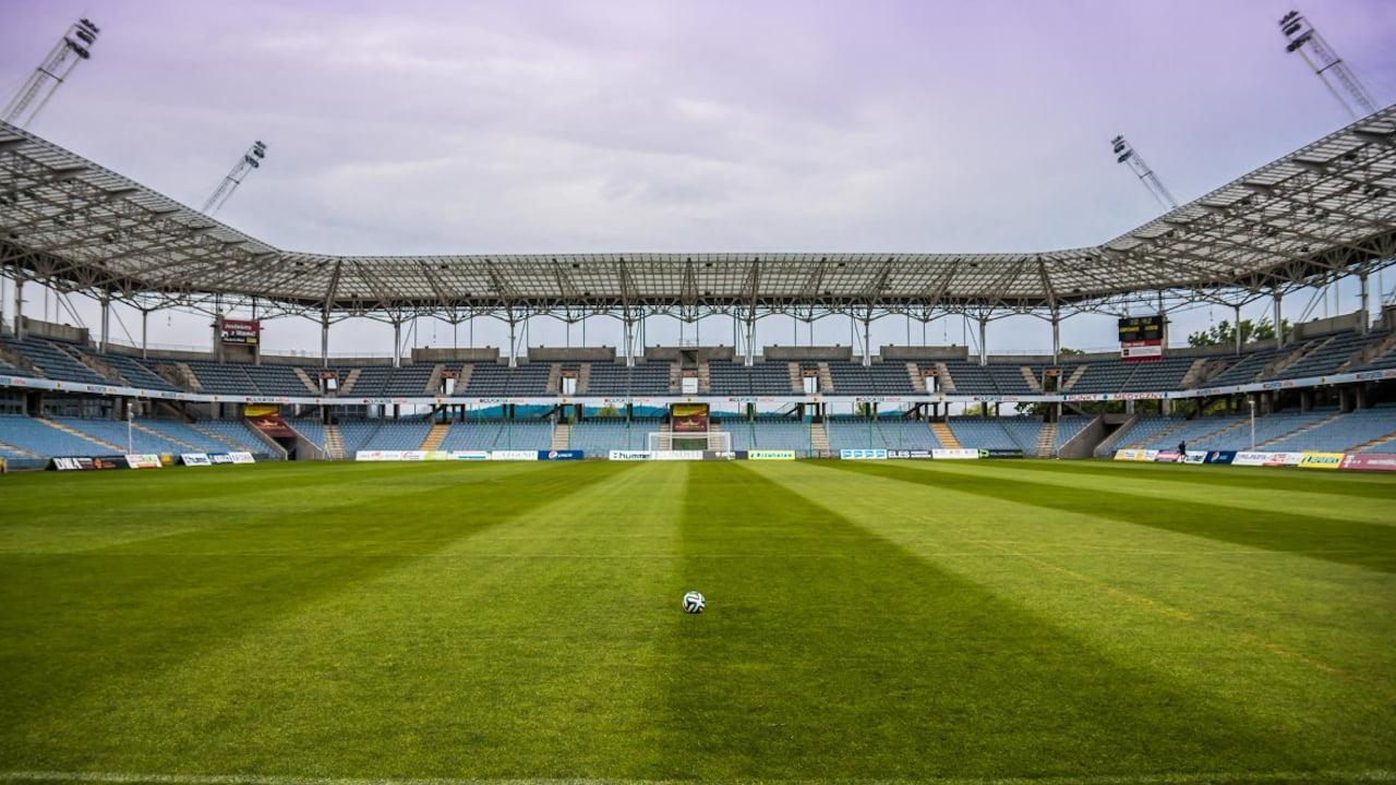 NENT Group pokaże rozgrywki UEFA na platformie Viaplay w Polsce – Inwestycje.pl